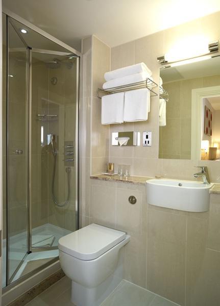 Baño General De Cama:Habitaciones – Hotel The Park International, Londres